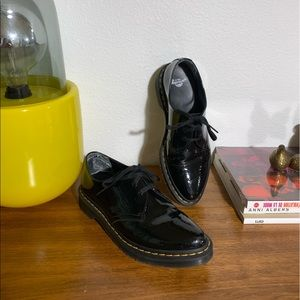 Dr Martens patent leather pointed toe oxford UK7